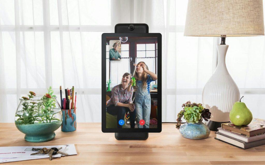Facebook portal plus , facebook portal + assistant visiophone au format portrait